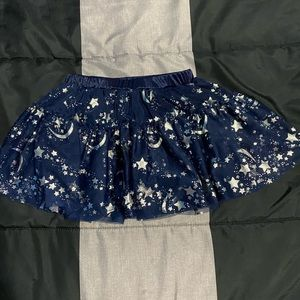 3/$30 Girls navy skirt with moon and stars NWOT